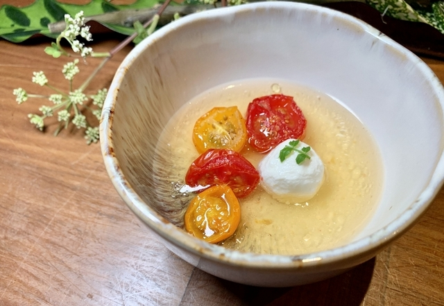 花椒、番茄、莫札瑞拉起司