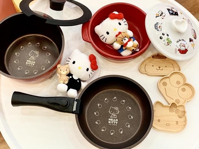 鍋具、飾品盤應有盡有~