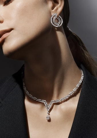V的優雅變化形    路易威登發表全新高級珠寶Pure V
