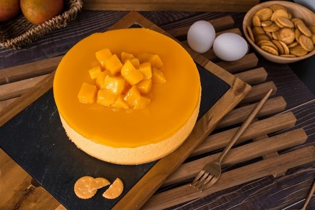 台灣愛文芒果慕斯蛋糕  1,180元