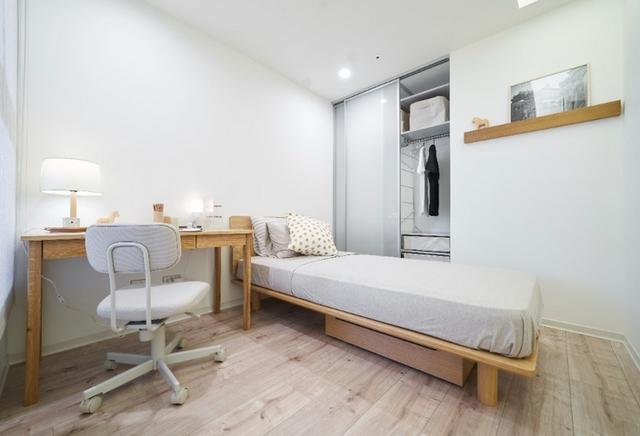 一個人的純白臥室
