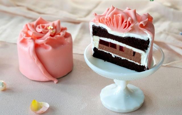 BAC 夏戀。微醺玫瑰 擬真蛋糕 799元(3.5吋)