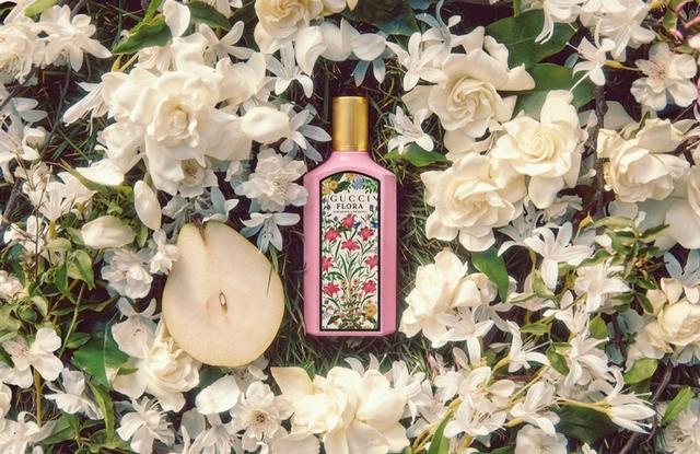 梔子花的季節來了,GUCCI 幻夢梔子花女性淡香精結合茉莉、梨花,甜甜香味好夏天