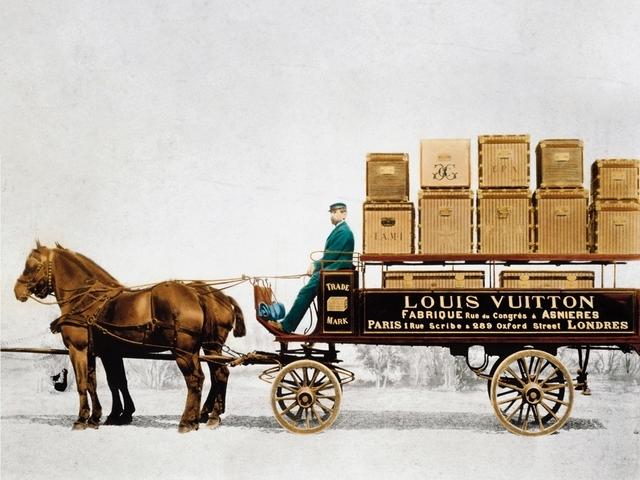LV創辦人兩百歲冥誕、Gucci邁入一百周年!精品慶祝周年的方式太有創意了