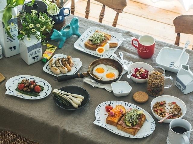 晨間小劇場,用餐盤來場幽默的早餐對話
