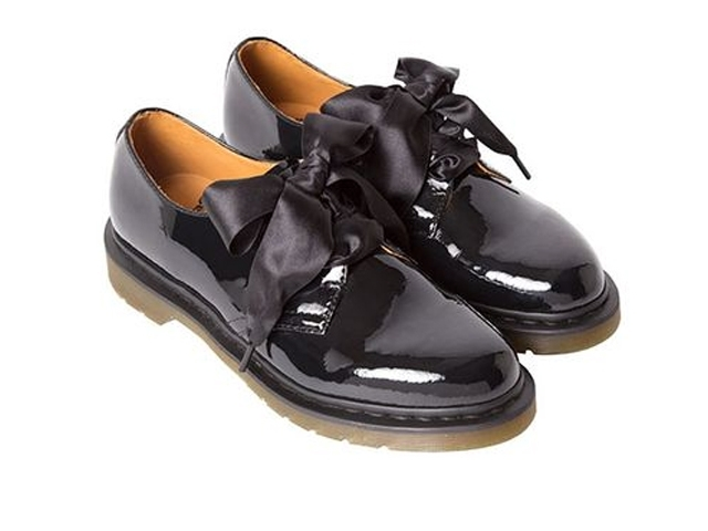 BEAMS 聯名 Dr. Martens 推出 40周年紀念鞋款