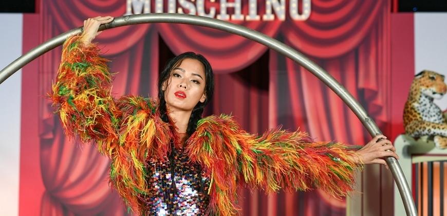 Moschino馬戲團精彩絕倫 王麗雅化身地表最辣女雜耍
