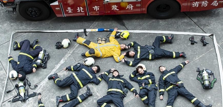 溫昇豪拍《火神的眼淚》真人開箱笑說「先睡一下」 陳庭妮燦笑吸睛
