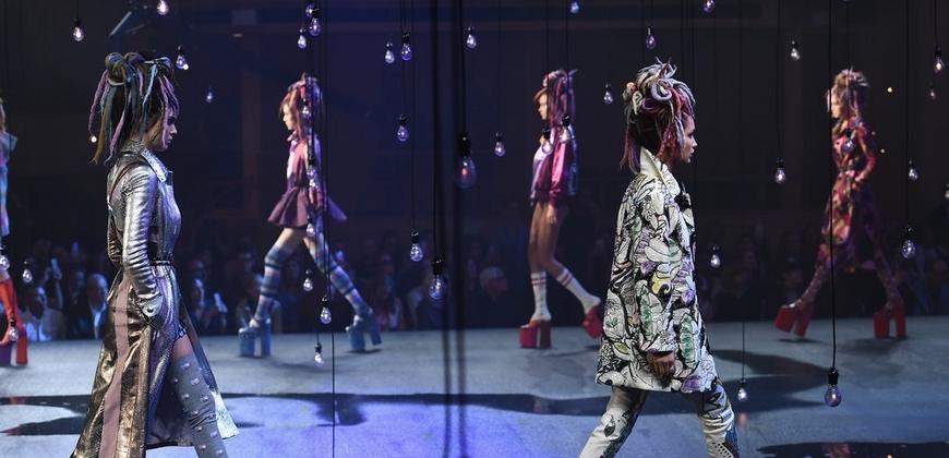 2017春夏紐約時裝周MARC JACOBS迷幻甜美的二次元少女情懷